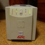 Smart-UPS 700のバッテリを交換した(2011年)